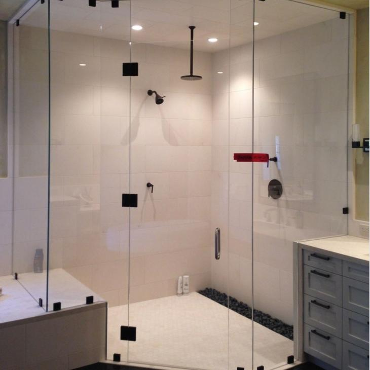 Top 4 Popular Glass Shower Door Styles in Toronto